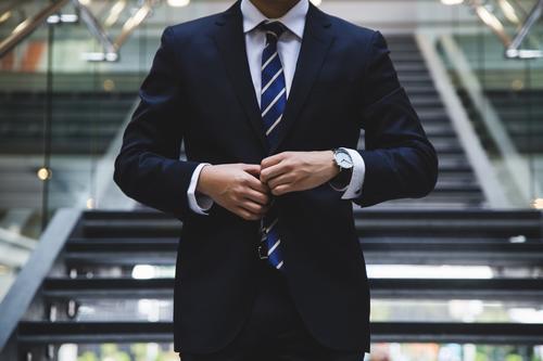 创业失败者口述:创业致贫 一块钱掰成三块花 就业后年薪百万