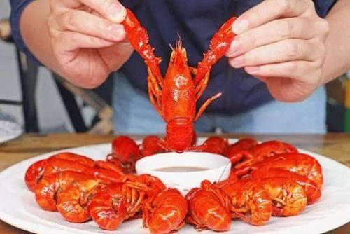终端消费规模逾2000亿 小龙虾行业成本、扩张、标准化等难题待解