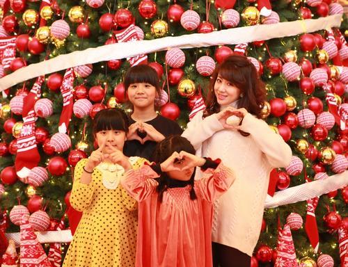 平均年龄7岁的三姐妹  获父母投资开了个儿童电视台 抒娃娃情怀