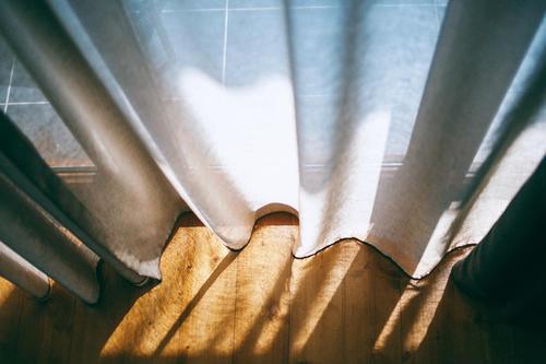 青海运沙险丧命 他融230万在北京南城建定制窗帘厂 月成交70万