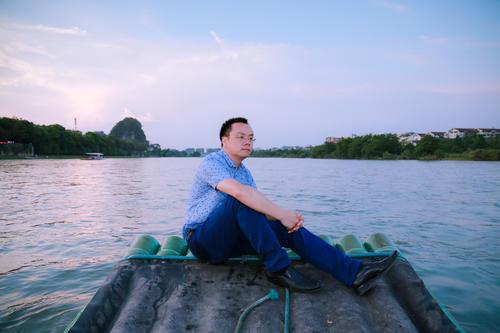 他为印尼供国货年亏600万 挺过1年获投1.5亿元 服务1.4万零售商