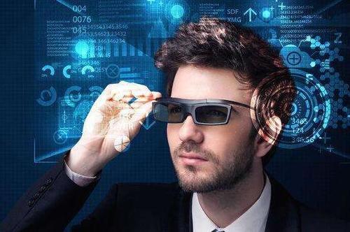 再融8000万 他的AR设备3D高清显示视场角40 3个月量产1700台