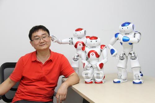 融资500万 软银与他联合发布机器人商用化解决方案 年入100万