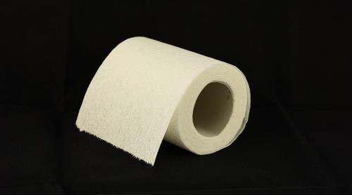 一地鸡毛中入场的共享纸巾玩家:铺50台设备获客10万 留存率48.9%