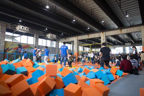 首发 | 退役老将转化16年蹦床经验 为9家主题乐园规划运营 吸引10万客流