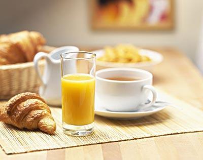 无人设备扫荡进早餐 一机售卖220份  370种热乎饭下月进驻上海地铁