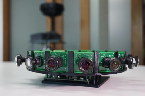 他的3D摄像机有20只眼睛 8K画质让VR用户不眩晕 单台售价40万