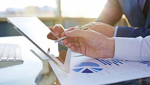 他让小老板轻点App变专业会计 到期提醒收账可团队协作 服务企业近3千家