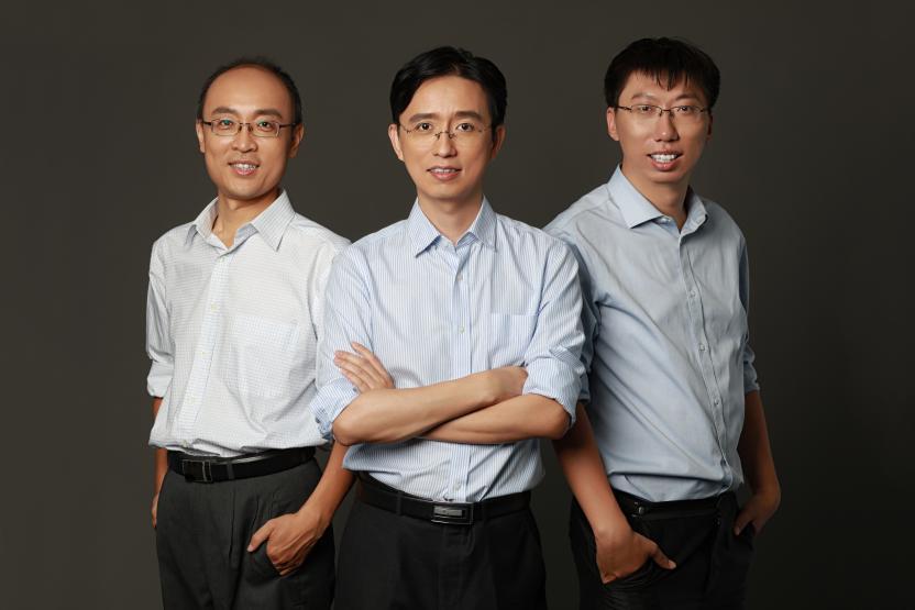 数字联盟联合创始人,CEO杨从安(中)、CTO张宇平(左) 、VP刘晶晶(右)。