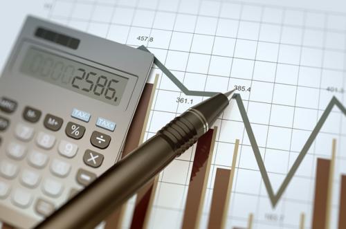 确保C端用户收益最大化 他用两年研发金融产品智投系统 预计年收入1080万