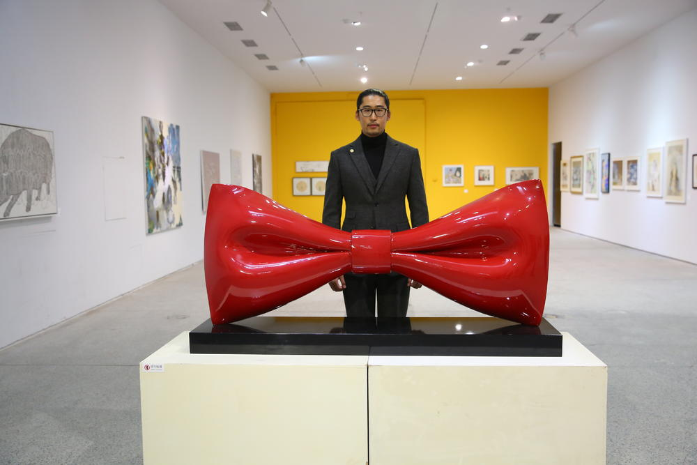 陈列于展会的艺术品。
