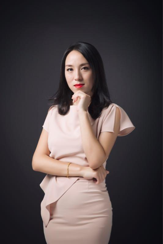 具有9年海外留学及工作经历的韩智素,希望用户可以足不出户办签证。