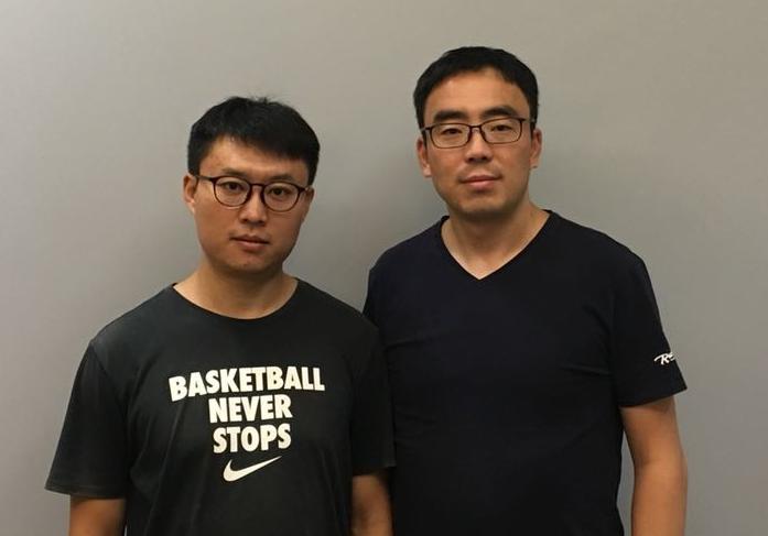 左边是张煜,右边赵维凯。
