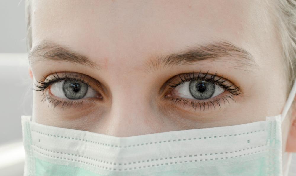 轻医美通过非手术医学手段实现美容。