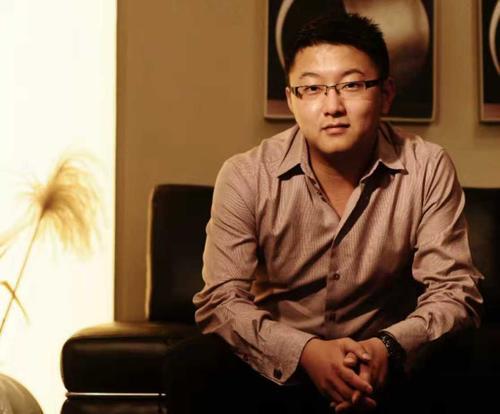 独家 | 他研发SaaS获投千万 帮700家签证服务商1分钟处理签证 用户320万