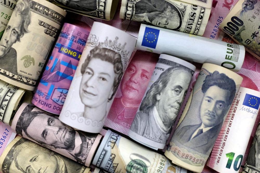 货币是国债的兑换券,是权力和价值双位一体的完美隐喻。  图像代表了权力的源头,数字代表了债务的数额。