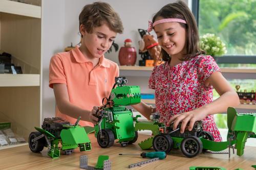 获梅花创投等押注千万 他的编程机器人幼儿园孩子也能玩 远销20余国