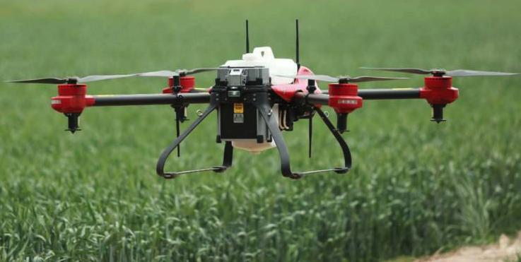 极飞、大疆推出的农业无人机,采用电力驱动方案,目前在市场上占据主导地位