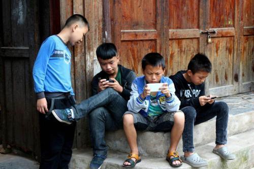 """马化腾连续三年建言未成年人保护 腾讯游戏""""告别""""小学生?"""
