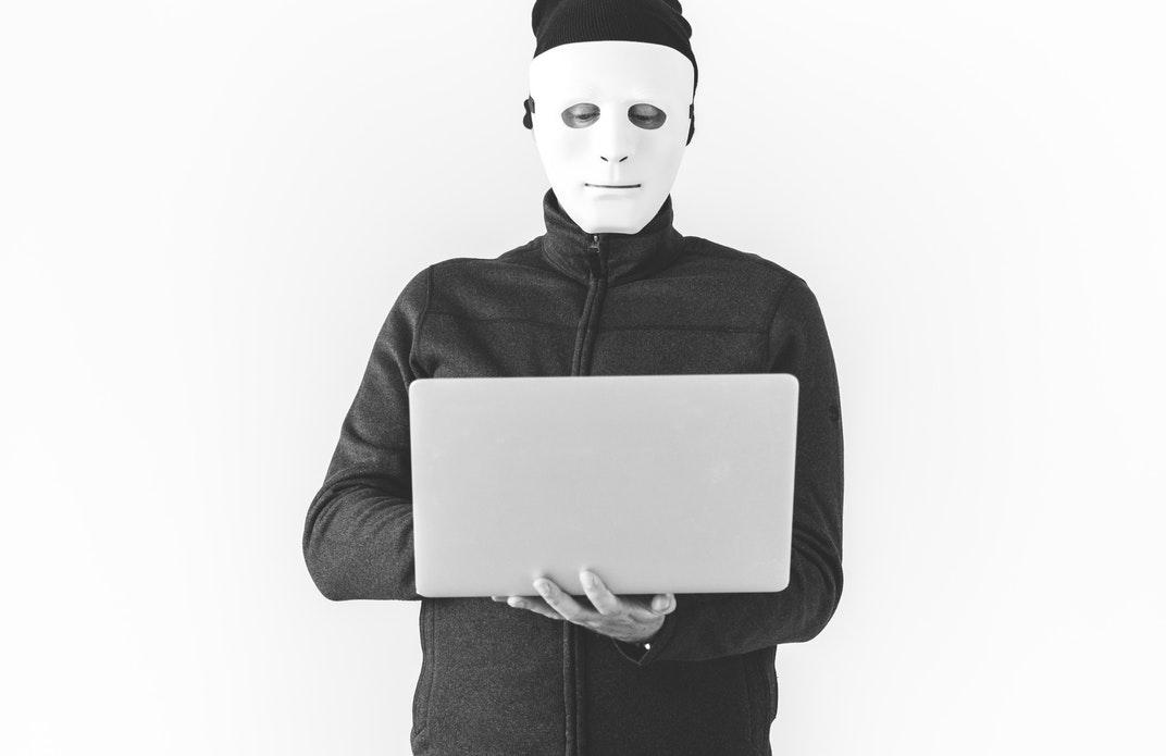 """在阿里云效平台上,只要登上账号,能浏览到很多公司的""""内部""""代码。"""