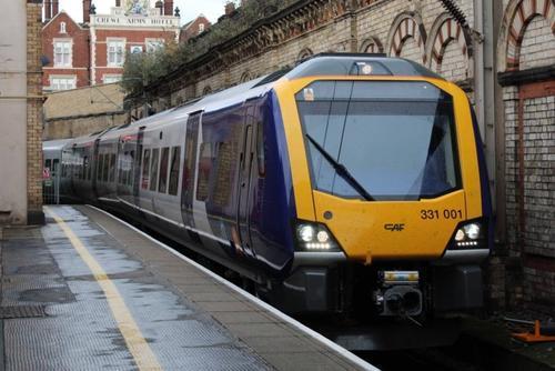 全球首条太阳能驱动铁路将在英投入运营