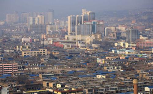 藏在县城的万亿生意:欲成霸业 必先与泥土为伴