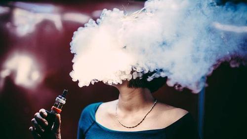 如此看来,电子烟行业即将要经历一个残酷淘汰期。